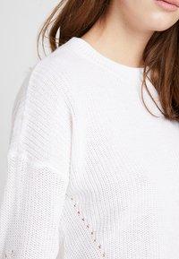 Noisy May - NMSIAN O NECK  - Jersey de punto - bright white - 4