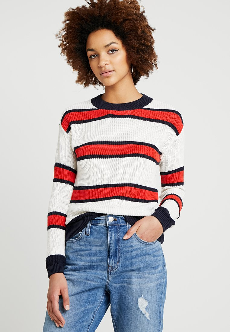 Noisy May - NMROBB O NECK - Strickpullover - sugar swizzle/red/blue
