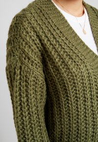 Noisy May - Cardigan - olivine - 5