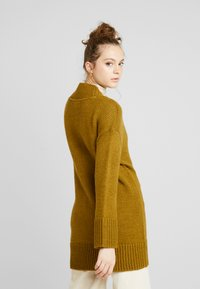 Noisy May - NMDEREK LOOSE CARDIGAN - Cardigan - plantation - 2