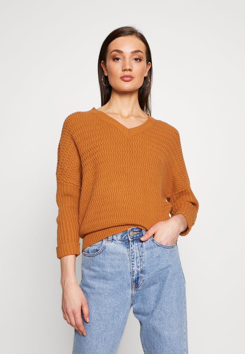 Noisy May - NMMETTE 3/4 V-NECK  - Jumper - brown sugar