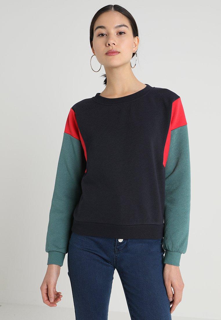 Noisy May - NMJONAS - Sweatshirt - night sky/red/green