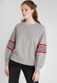 Noisy May - NMPOPPA - Sweatshirt - light grey melange - 0