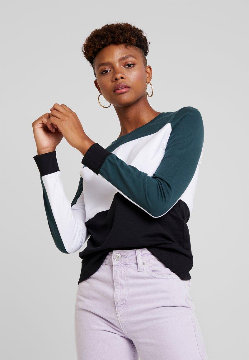 Noisy May - NMPANA BLOCKING NEW - Sweatshirt - green gables/white/black