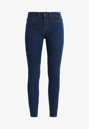 NMLUCKY LUCY - Vaqueros pitillo - medium blue denim