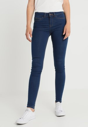 NMLUCKY LUCY - Skinny džíny - medium blue denim