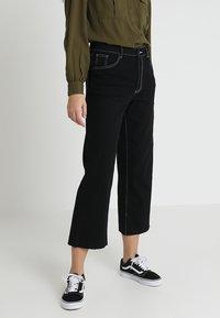 Noisy May - NMMARTIE CROP WIDE LEG - Jeans a zampa - black - 0