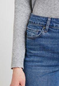 Noisy May - NMJENNA - Jeans straight leg - medium blue denim - 4