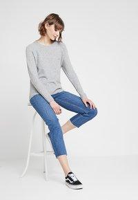 Noisy May - NMJENNA - Jeans straight leg - medium blue denim - 1