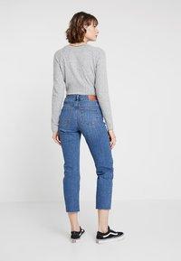 Noisy May - NMJENNA - Jeans straight leg - medium blue denim - 2