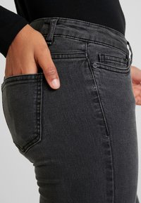 Noisy May - Jeans Skinny Fit - black denim - 4