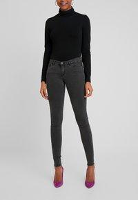 Noisy May - Jeans Skinny Fit - black denim - 0