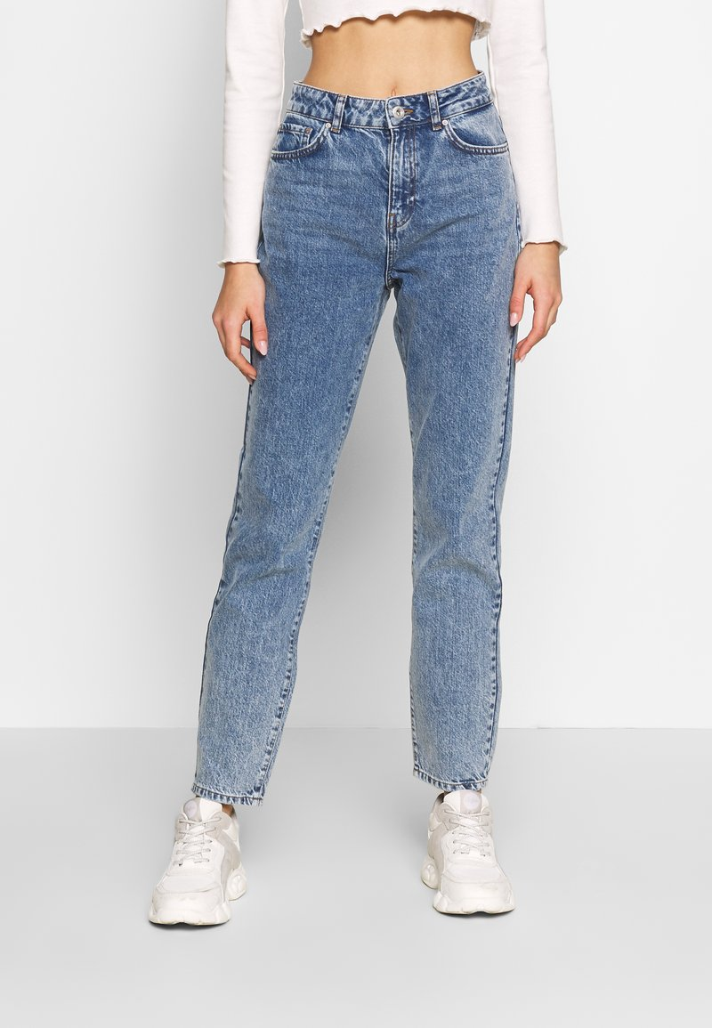 Noisy May - NMISABEL ANKLE MOM - Relaxed fit jeans - medium blue denim