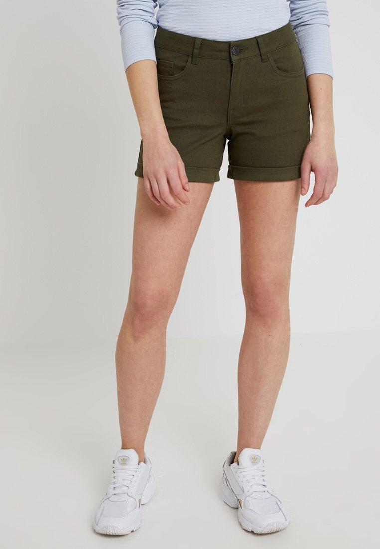 Noisy May - LUCY FOLD UP - Denim shorts - olive night