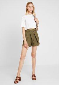 Noisy May - Shorts - kalamata - 1