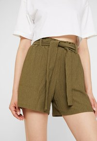 Noisy May - Shorts - kalamata - 4