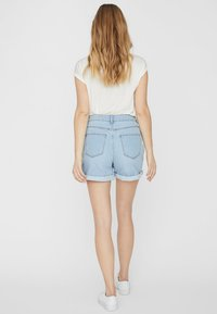 Noisy May - Jeansshorts - light blue denim - 2