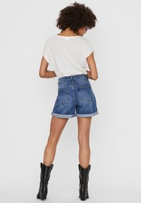 Noisy May - Denim shorts - medium blue denim - 2