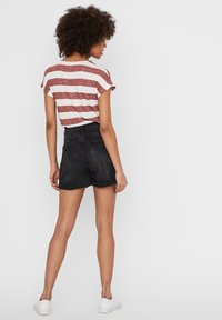Noisy May - Jeans Short / cowboy shorts - black denim - 2