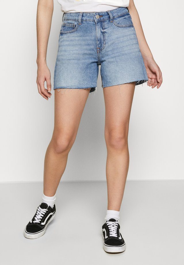 NMBE LINE - Shorts vaqueros - medium blue denim
