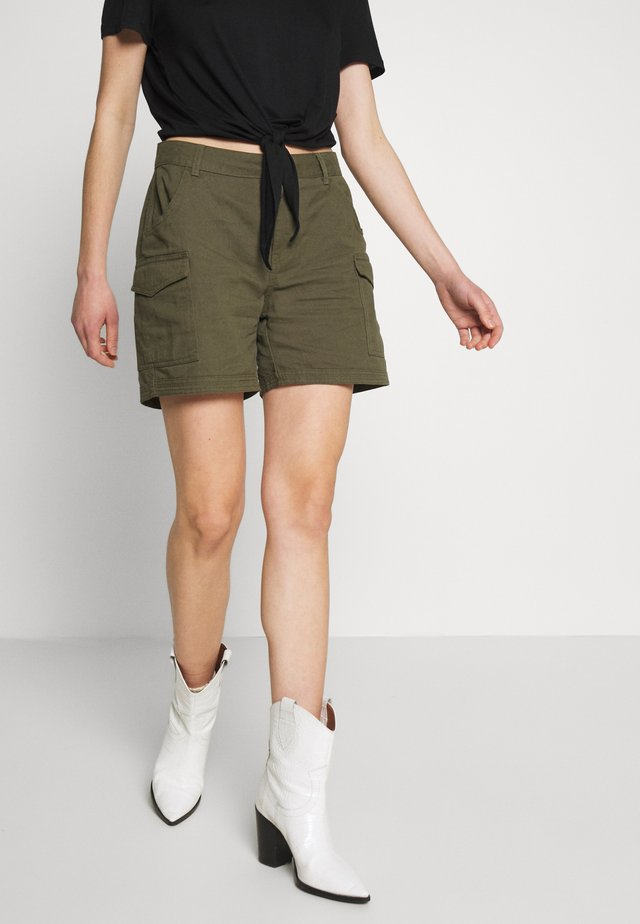 NMLOUISE - Shorts - olive night