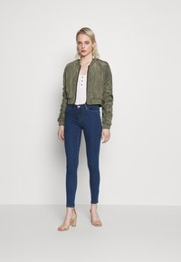 Noisy May - NMSADIE CROP JACKET - Bomberjacke - dusty olive - 1