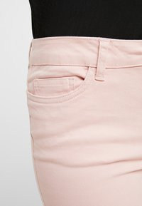 Noisy May Petite - NMLUCY CROPPED PANTS - Broek - mellow rose - 5