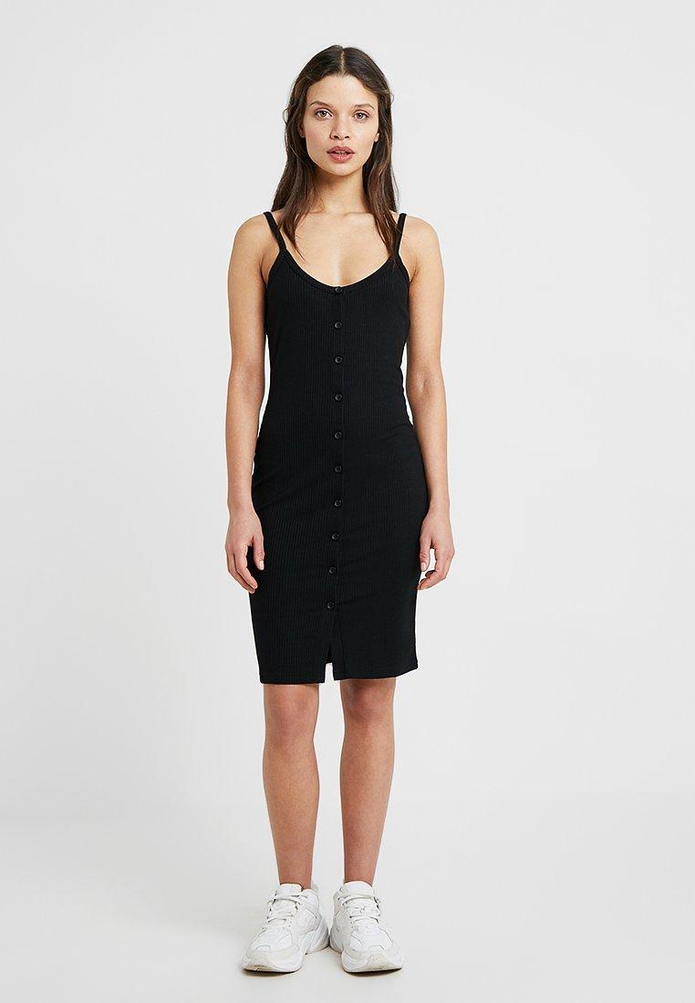 Noisy May Petite - NMMOX DRESS - Hverdagskjoler - black