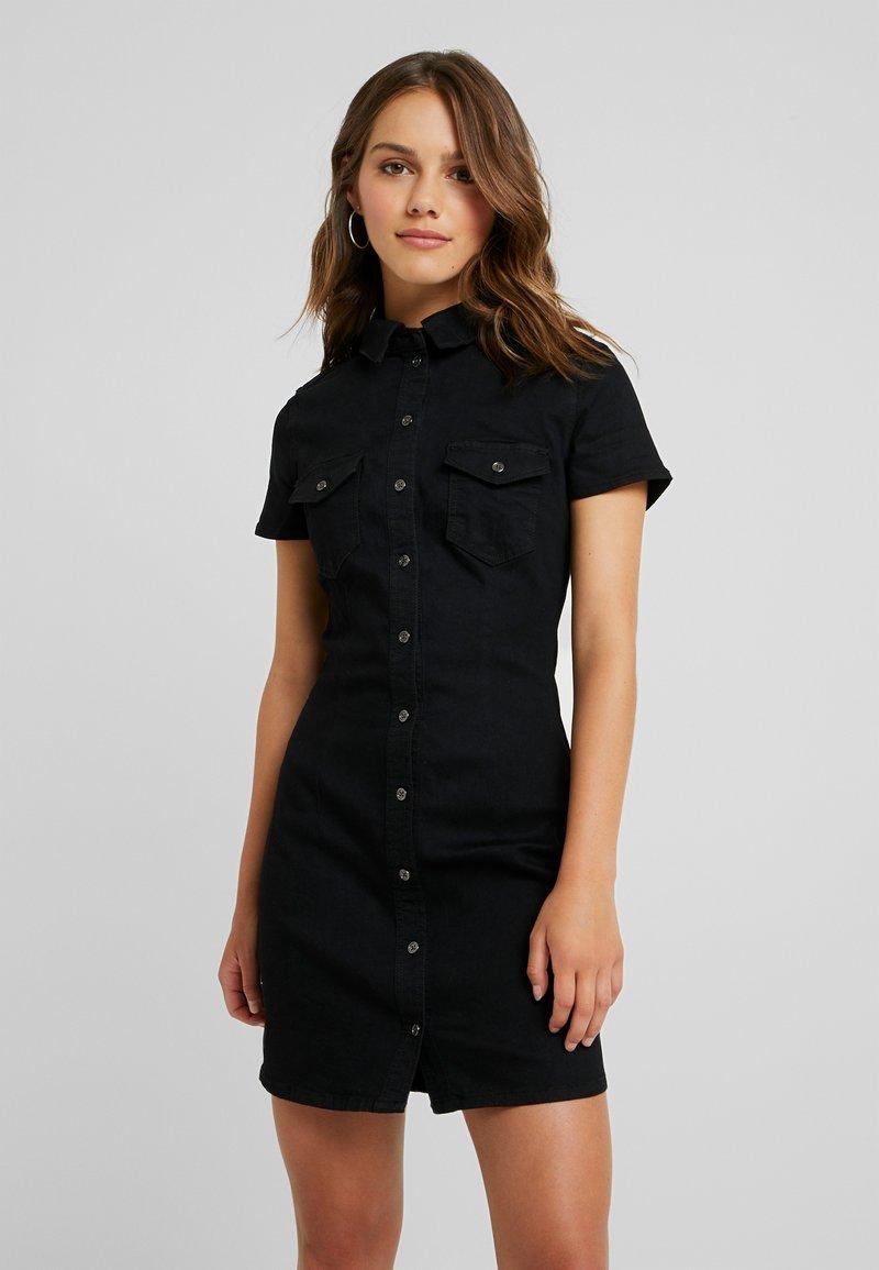 Noisy May Petite - NMJOY BUTTON DRESS - Farkkumekko - black denim