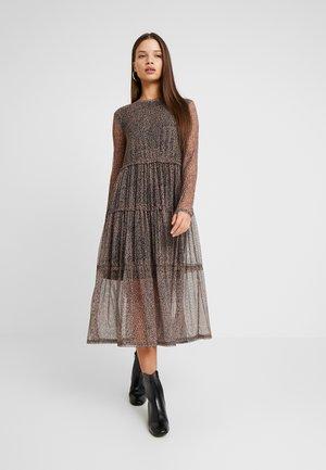 NMSHIMMY DRESS - Vestito estivo - brown sugar