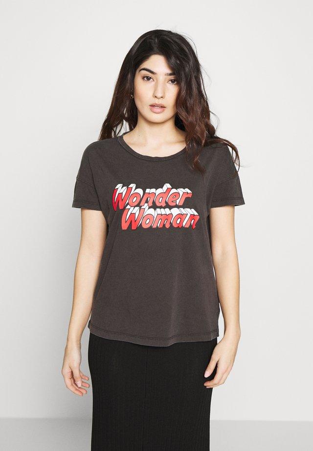 NMLICIE COMMAND WASHED - Camiseta estampada - black