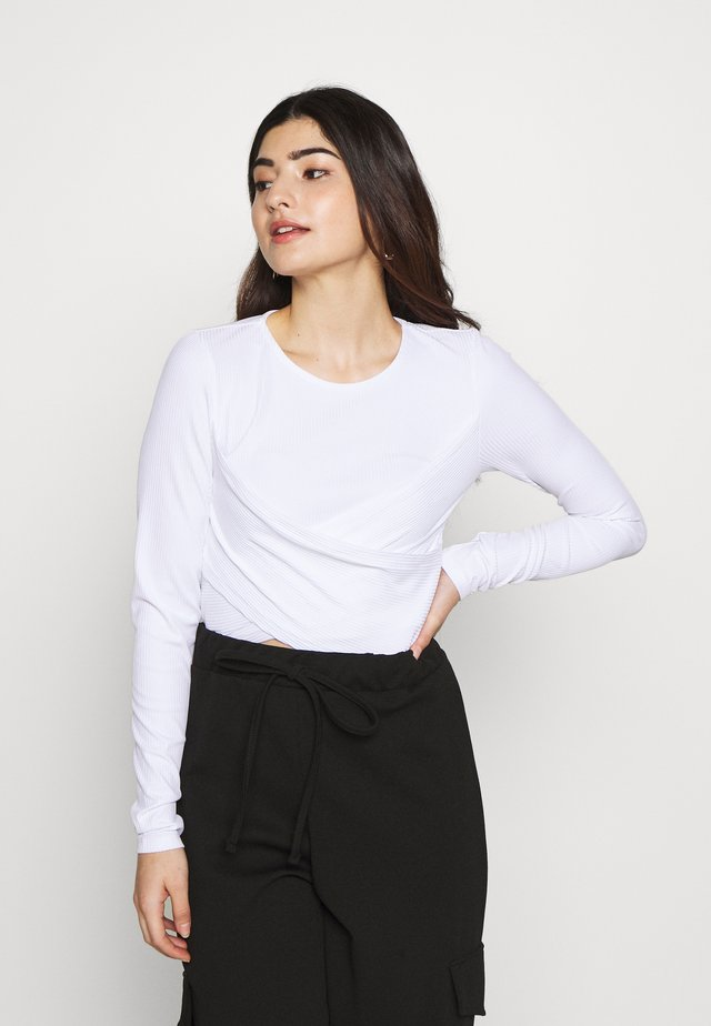 NMPOPPY CROPPED - Long sleeved top - bright white