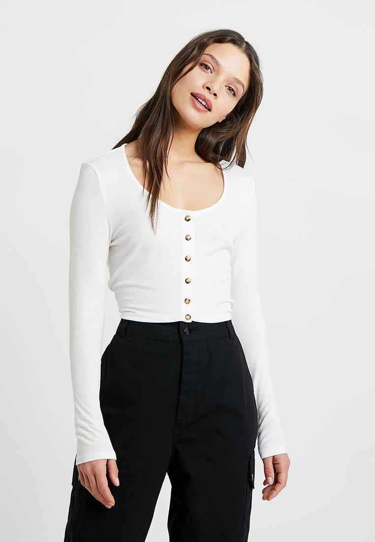 Noisy May Petite - NMHENLEY - Langarmshirt - bright white