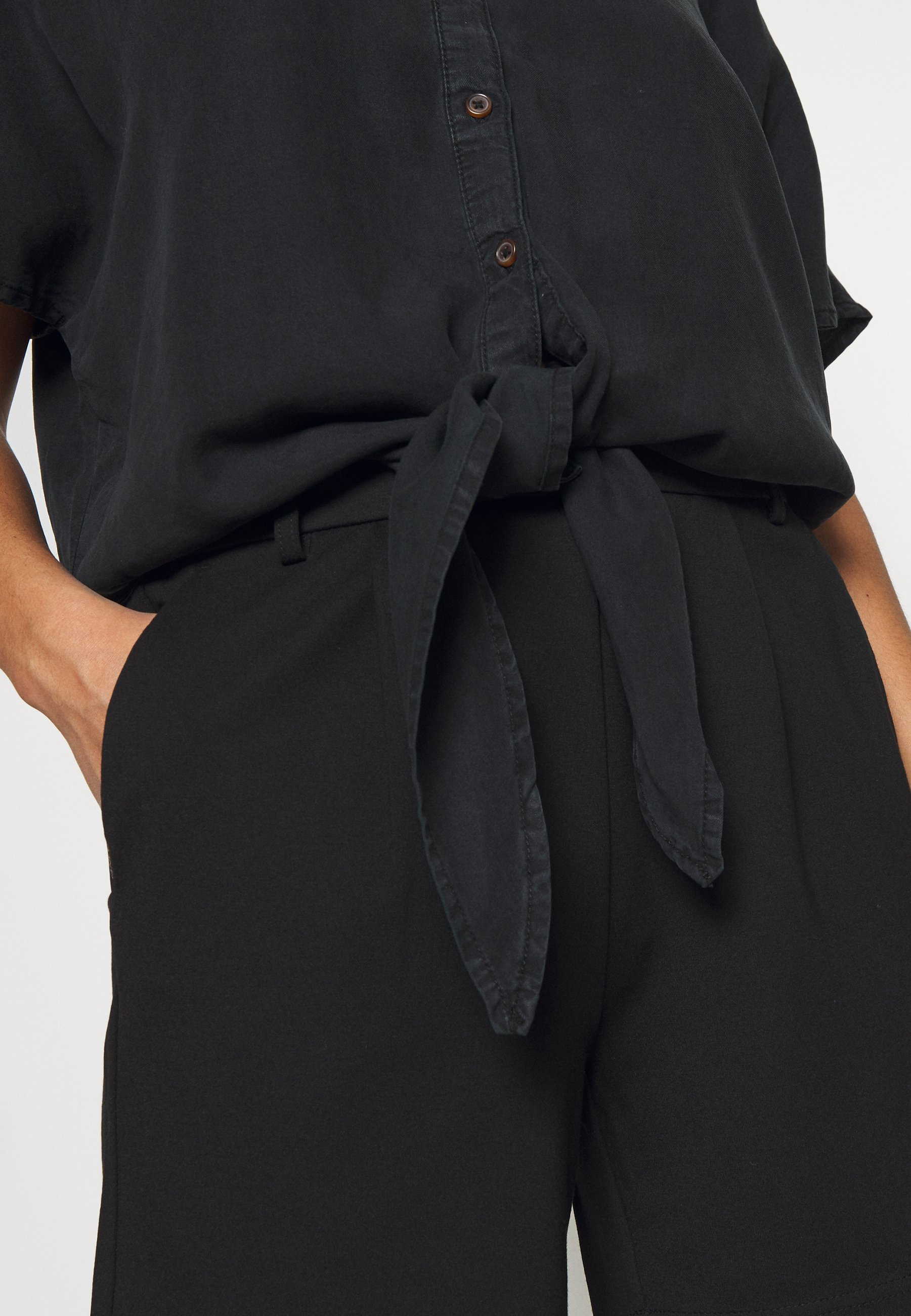 Noisy May Petite NMGARY ENDI TIE PETITE - Bluzka - black