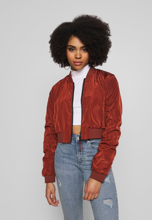 CROP JACKET - Bomber bunda - burnt henna