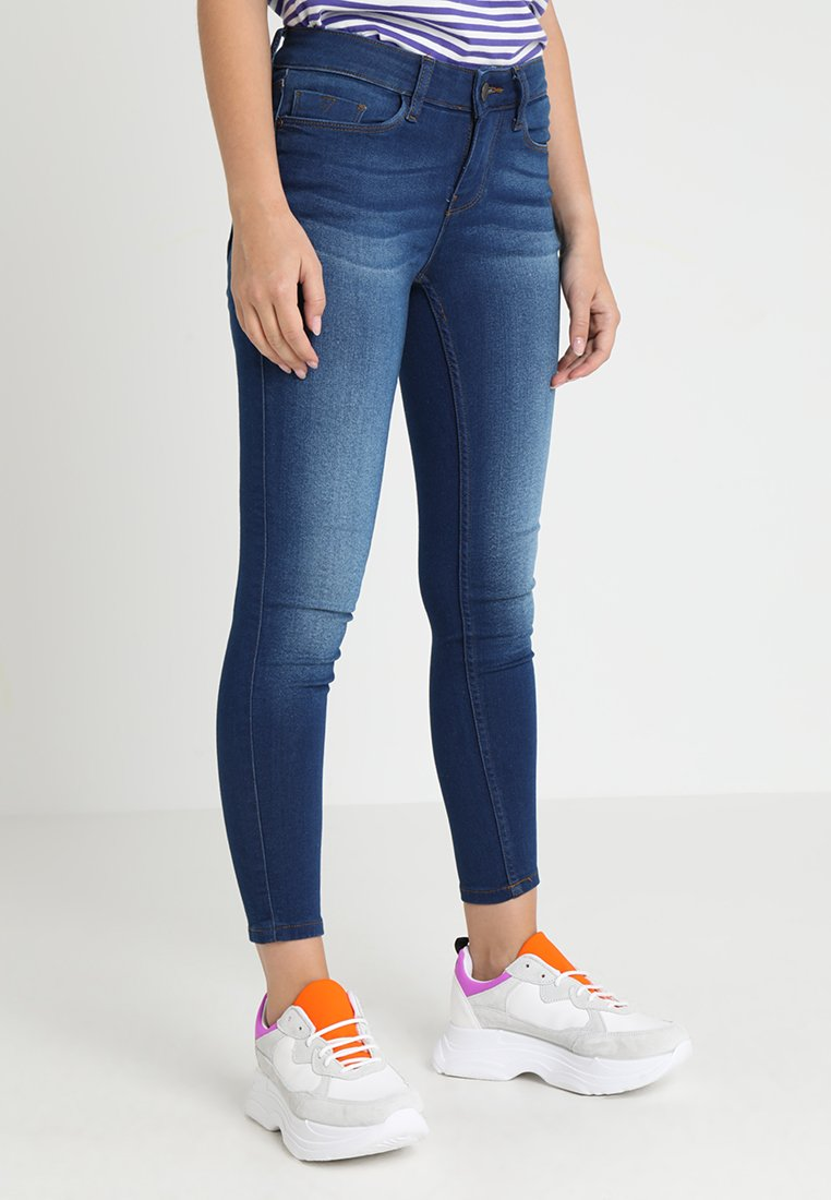 Noisy May Petite - NMEXTREME LUCY SOFT - Jeans Skinny Fit - medium blue denim