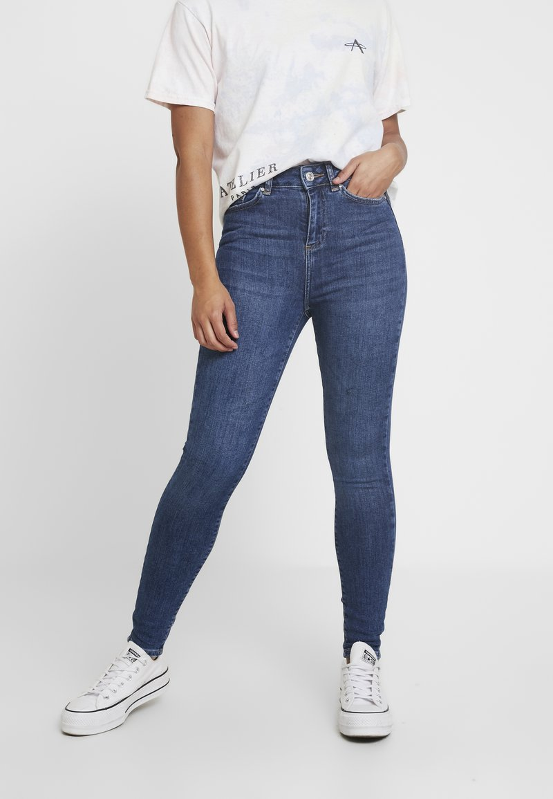 Noisy May Petite - NMCALLIE - Skinny džíny - medium blue denim