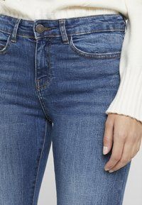 Noisy May Petite - NMLUCY - Jeans Skinny Fit - medium blue denim - 4