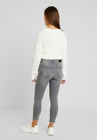Noisy May Petite - NMLUCY - Jeans Skinny Fit - light grey denim - 2