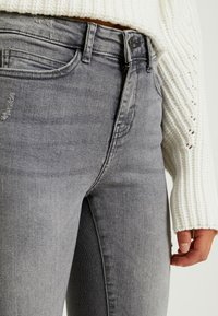 Noisy May Petite - NMLUCY - Jeans Skinny Fit - light grey denim - 5