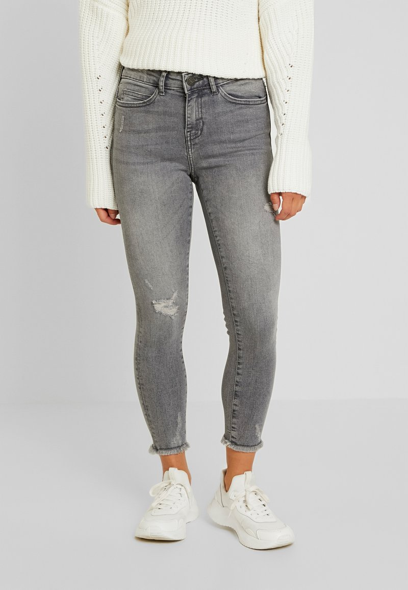 Noisy May Petite - NMLUCY - Jeans Skinny Fit - light grey denim