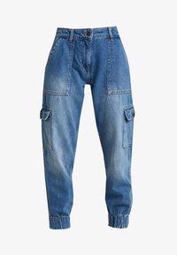 Noisy May Petite - NMCARA MIA CARGO PANTS - Relaxed fit jeans - medium blue denim - 4