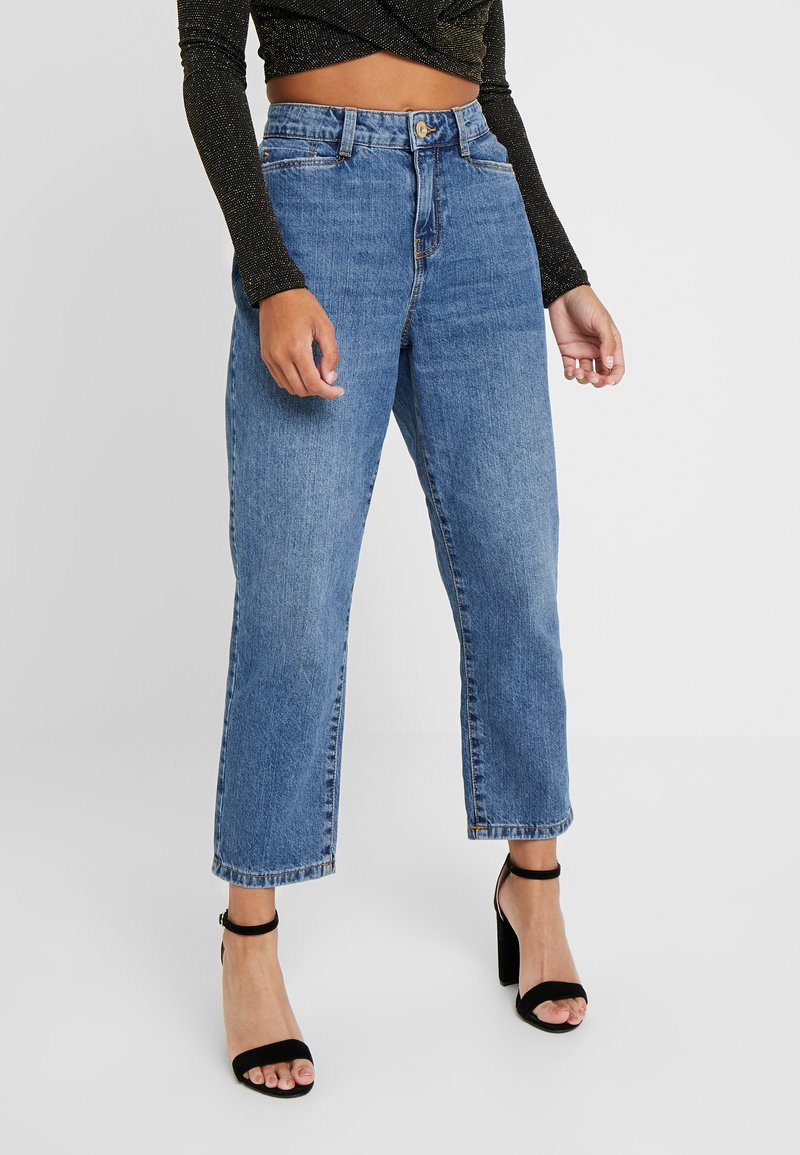 Noisy May Petite - NMMIA HEAT - Straight leg jeans - medium blue denim