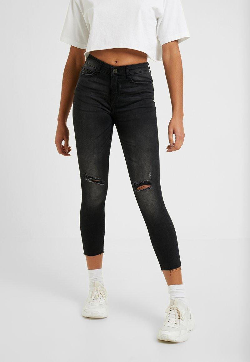 Noisy May Petite - NMLUCY  - Jeans Skinny Fit - black denim