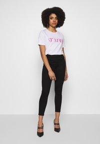 Noisy May Petite - NMJEN SHAPER  - Jeansy Skinny Fit - black - 1