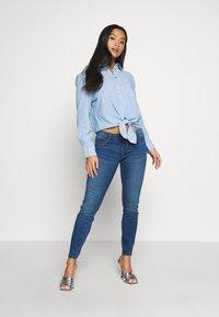 Noisy May Petite - Jeans Skinny Fit - medium blue denim - 1
