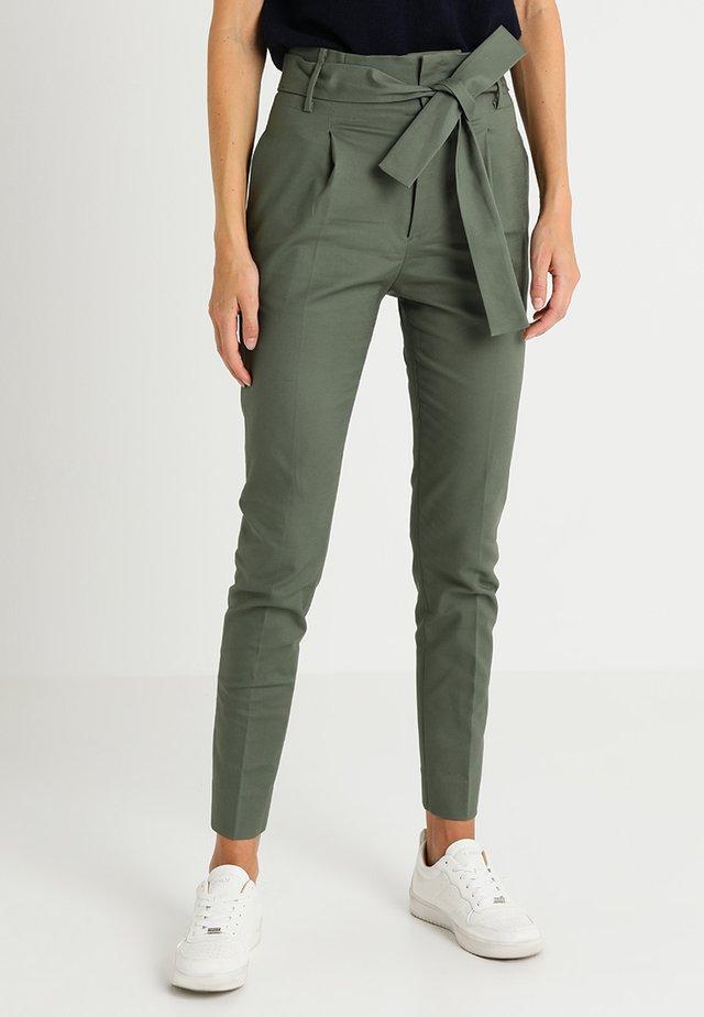 BASIC LONG - Pantaloni - agave green
