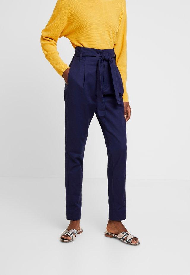 ESSENTIAL STRETCH - Pantaloni - peacoat