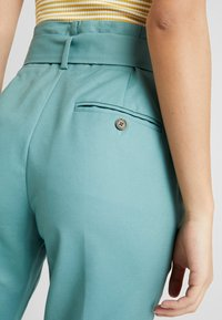 Noa Noa - ESSENTIAL STRETCH - Trousers - arctic - 5