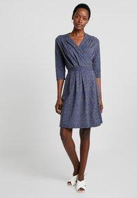 Noa Noa - PRINTED - Robe d'été - blue - 2